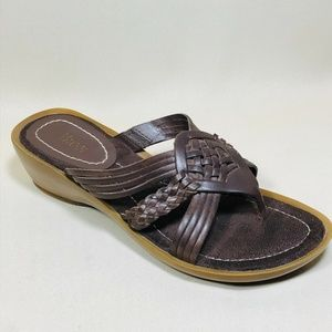 Bass Brown Leather Wedge Slip On Thong Sandals 7
